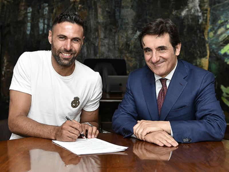 OFICIAL: Torino renova com Sirigu