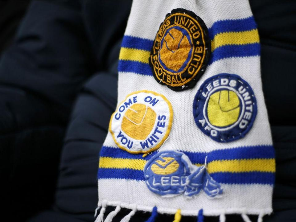 Histórico Leeds demite treinador quatro meses depois