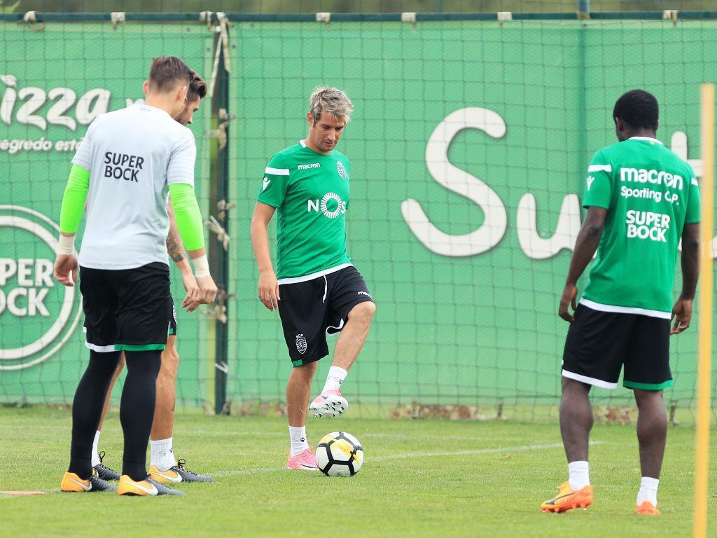 Coentrão volta a 'irritar' os adeptos do Benfica — Sporting