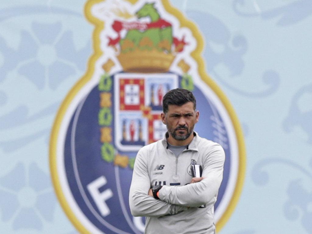 FC Porto: André Pereira e Galeno repetem presença no treino
