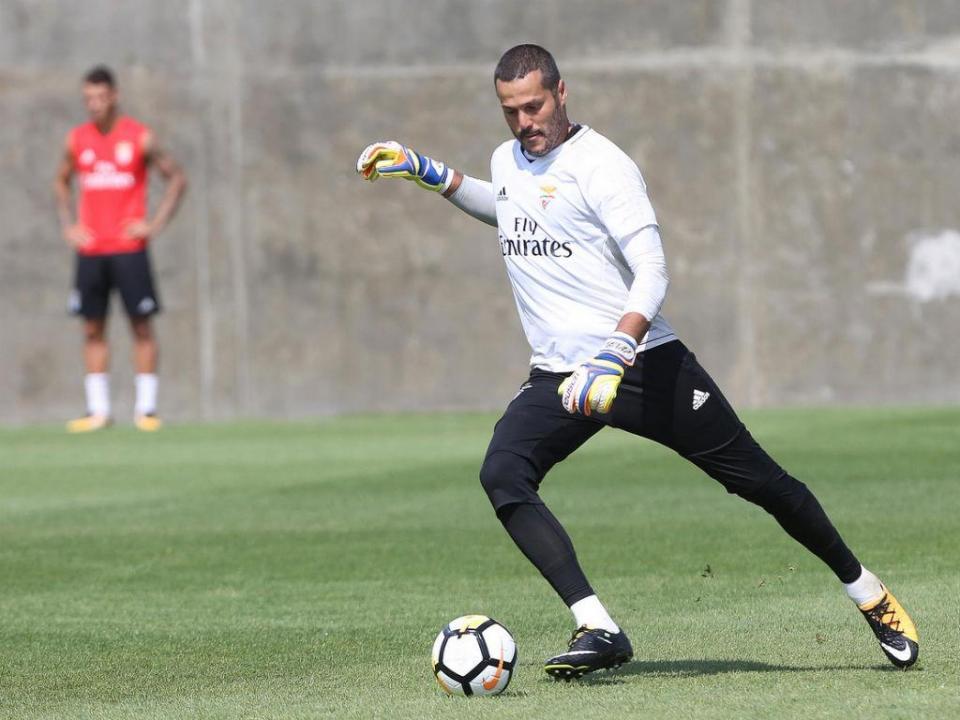 Benfica: Buta de fora, Rúben Dias e Willock convocados