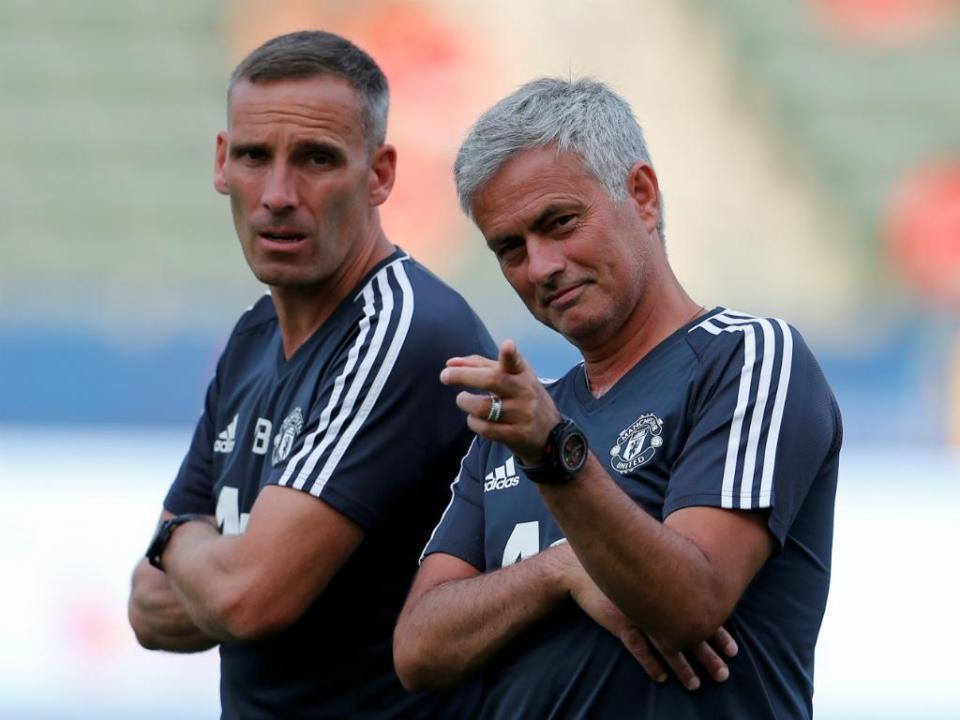 Mourinho: «Falo com Carvalhal duas vezes por semana e já lhe agradeci»