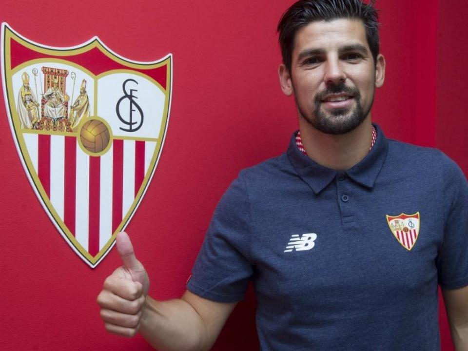 Nolito e Carriço convocados para jogo do Sevilha com o Benfica