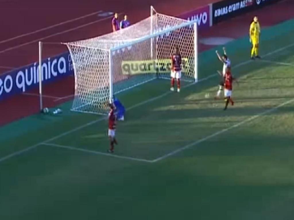 Atlético-MG vence o Atlético-GO por 2X1 em Goiânia