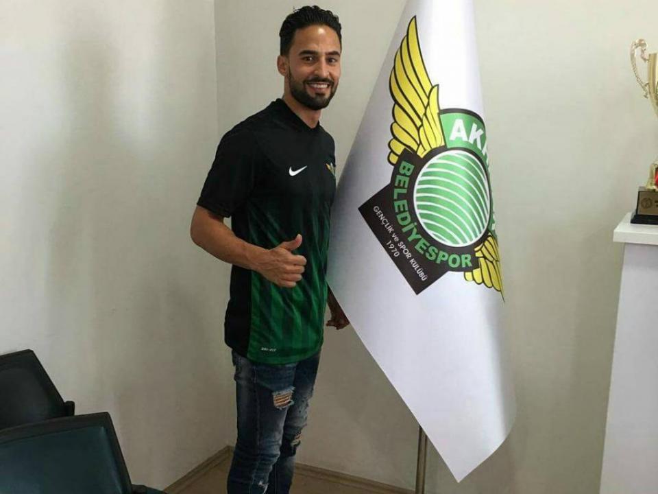 OFICIAL: Hélder Barbosa assina pelo Akhisar
