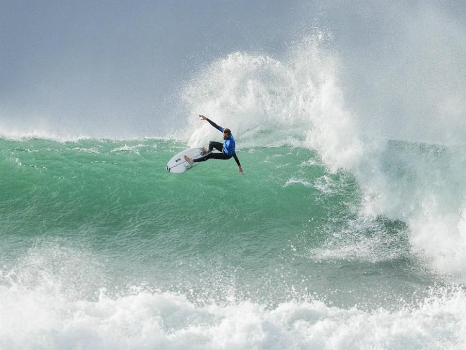 Surf: Frederico Morais na repescagem em França