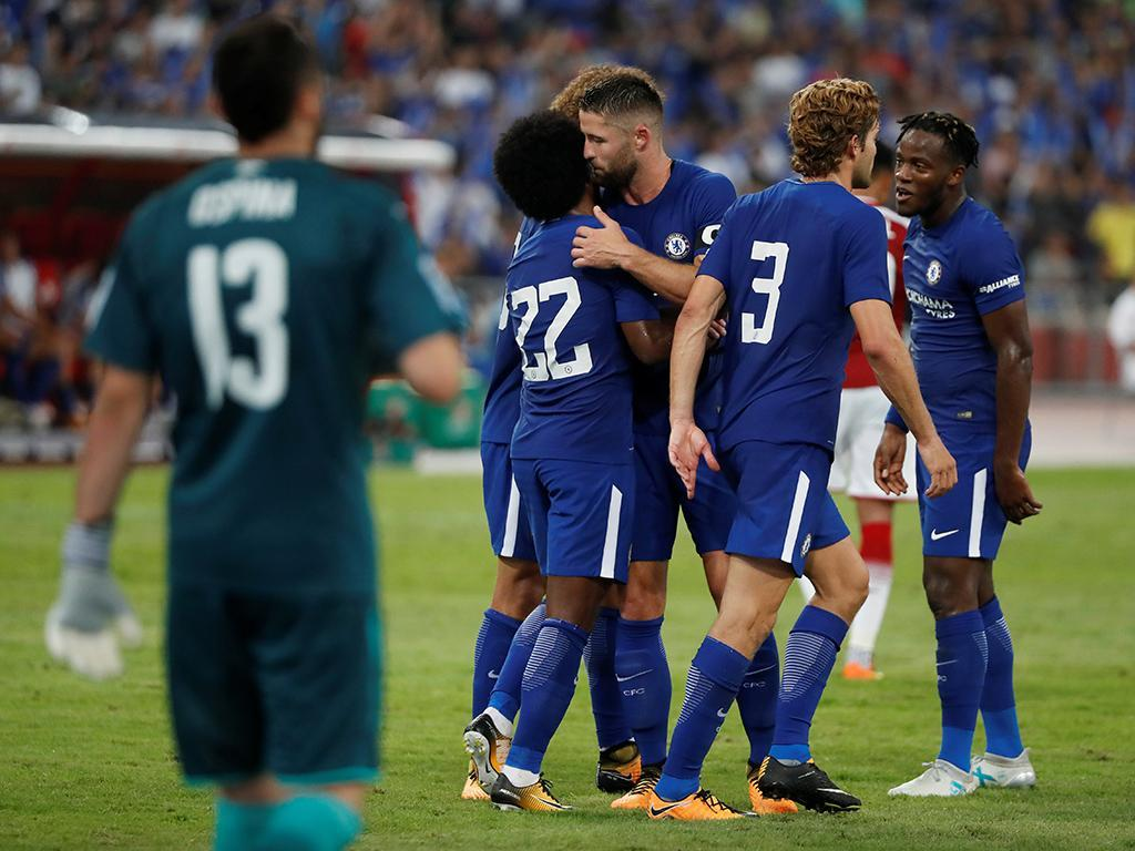 Chelsea destroça Arsenal em grande tarde de Michy Batshuayi