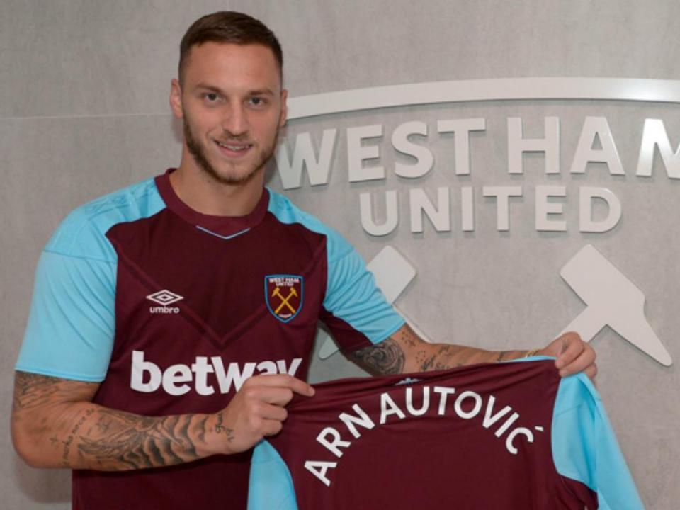 West Ham responde a irmão de Arnautovic: «Não está à venda»