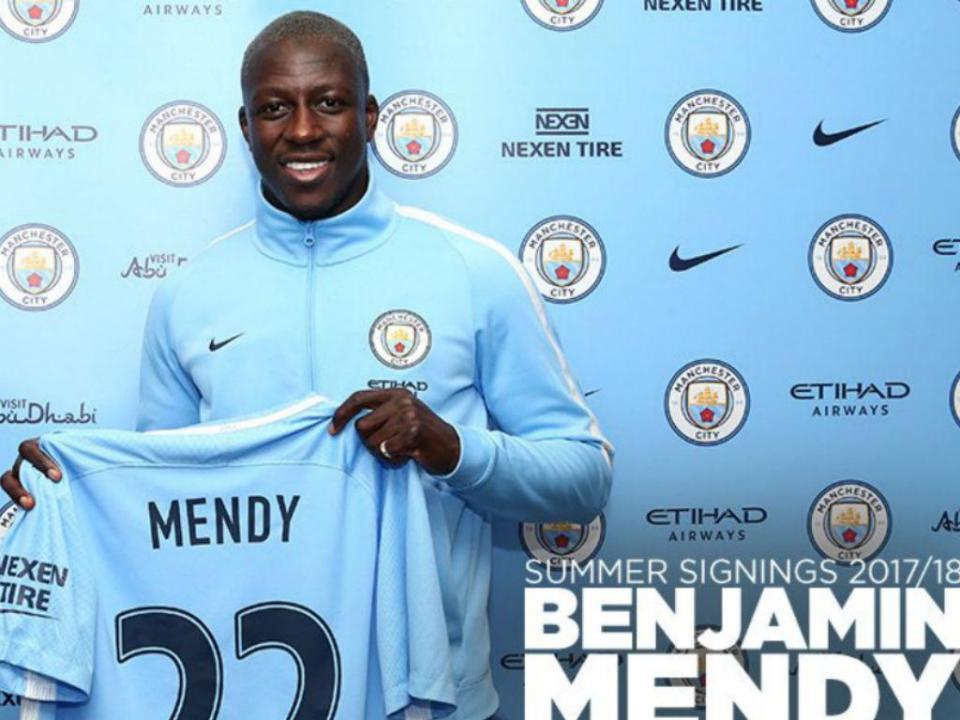 Manchester City: Mendy volta a treinar seis meses depois