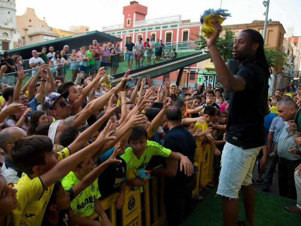 Rúben Semedo reforça Huesca uma semana depois de sair em liberdade