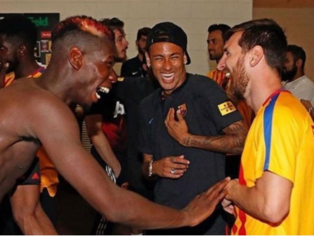 Neymar irrita-se com Nelson Semedo em treino do Barcelona