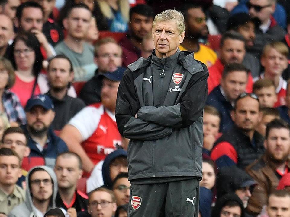 Wenger diz que não há «nada concreto» para a saída de Alexis Sánchez