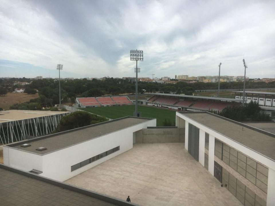 Benfica escolhe ex-Man. City e Sporting para coordenar a formação