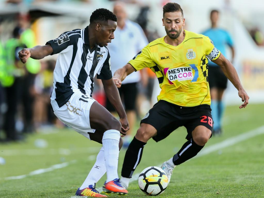 Portimonense: 21 jogadores convocados para uma semana no Norte