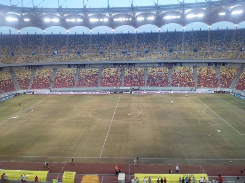 FOTO: atenção Sporting, está assim o relvado do Steaua Bucareste