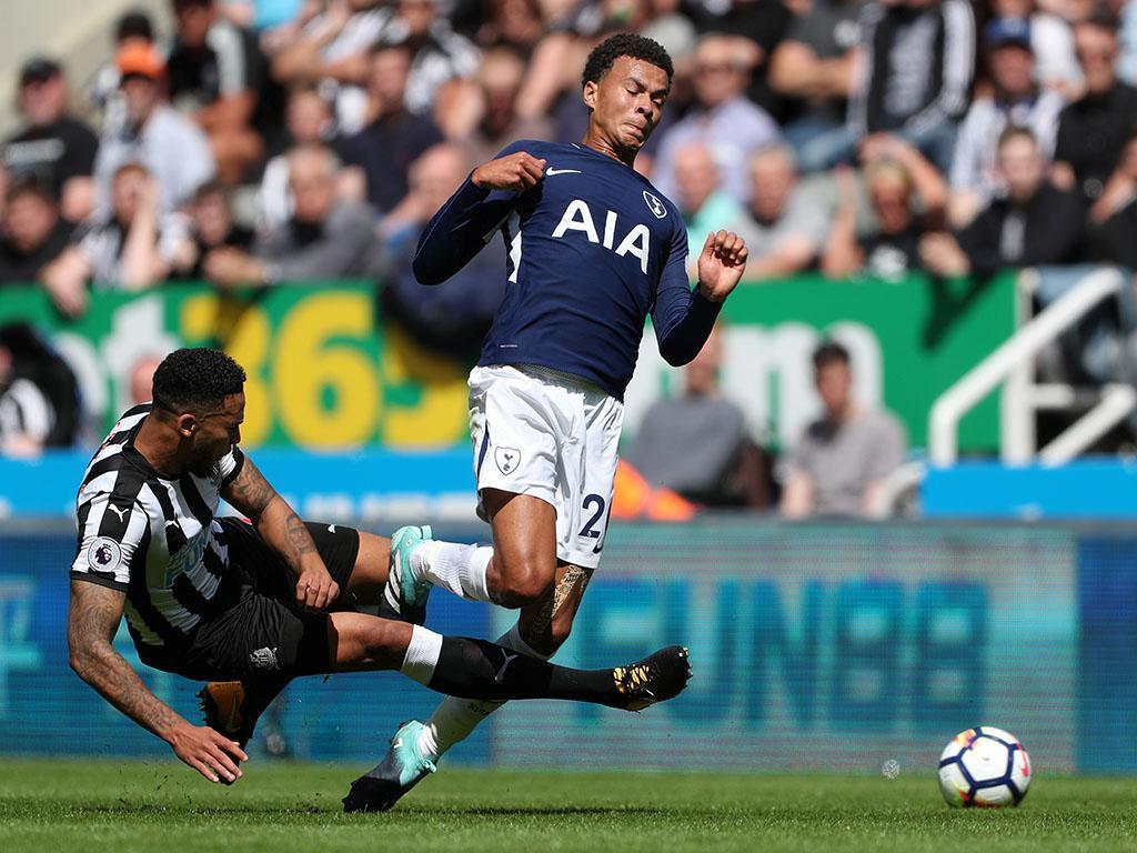 Inglaterra: expulsão lançou Tottenham para a vitória