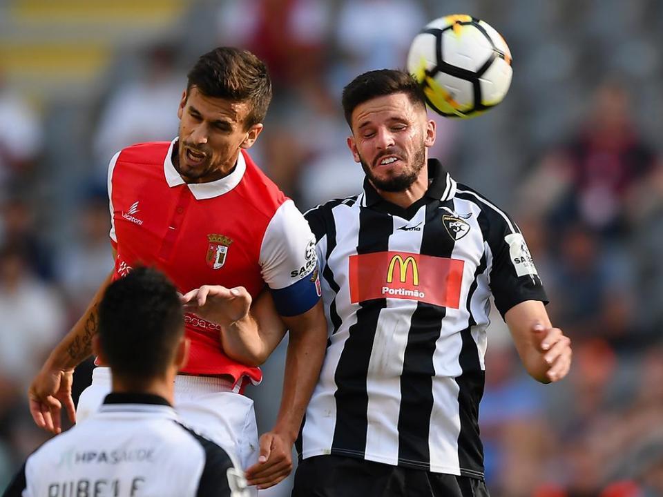 Portimonense: Vítor Oliveira chama 18 jogadores para Braga