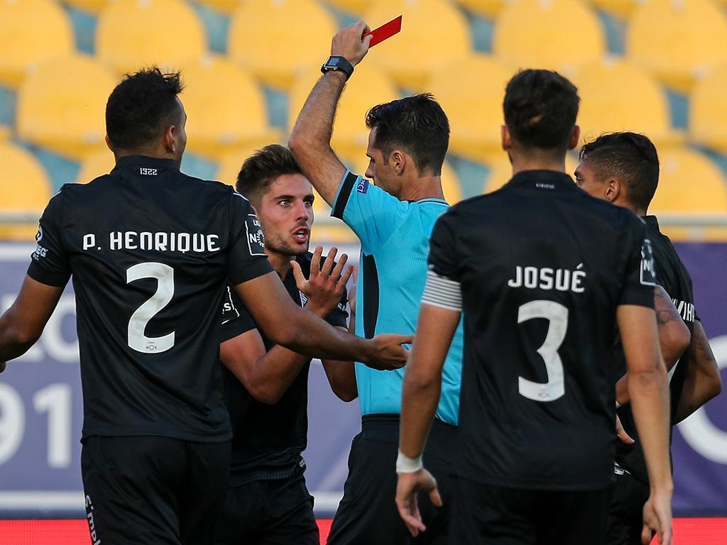 Pedro Emanuel revela que Carlinhos pediu para sair — Estoril-Praia