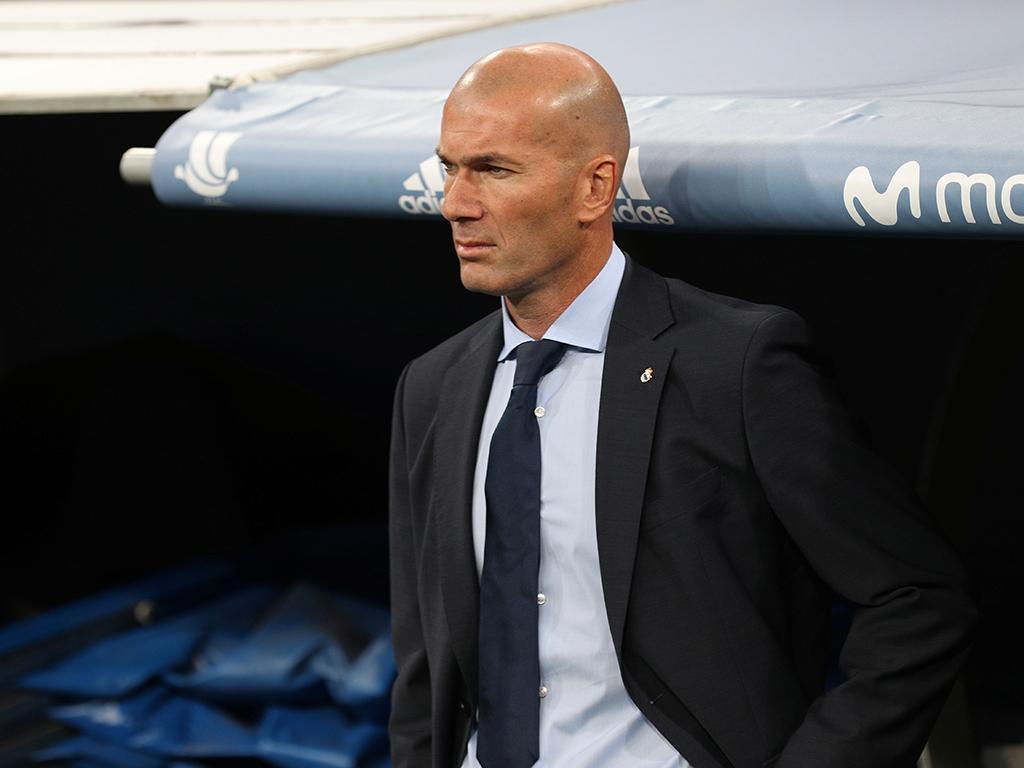 Zidane faz vénia a Ronaldo e diz que nunca faria o que Sérgio Ramos fez