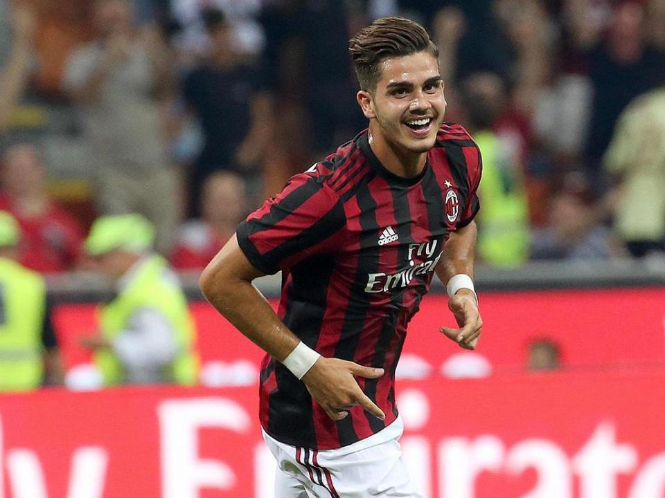 Milan: André Silva estreia-se a marcar na Série A e dá triunfo aos 90+4