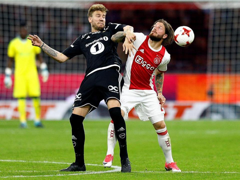 OFICIAL: Ajax despede Marcel Keiser e Dennis Bergkamp