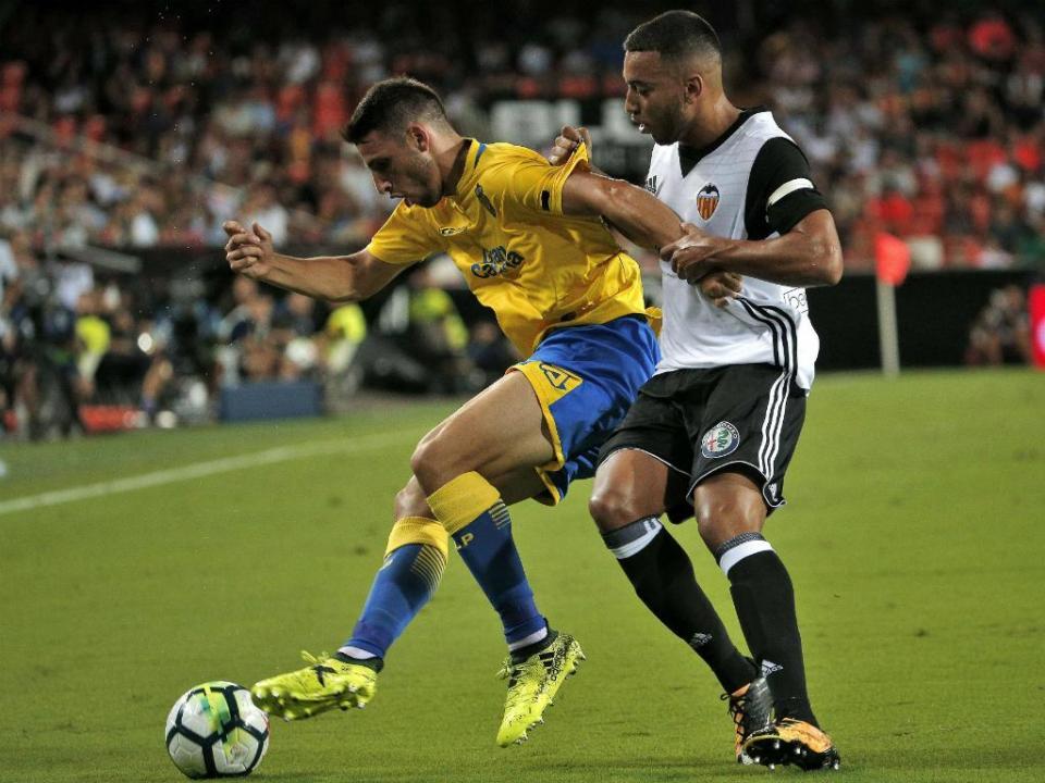 Valência vence Galatasaray com golo de Rúben Vezo