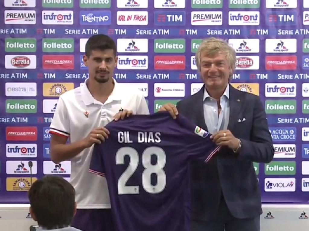 Fiorentina revela que Gil Dias tem dedo do pé partido
