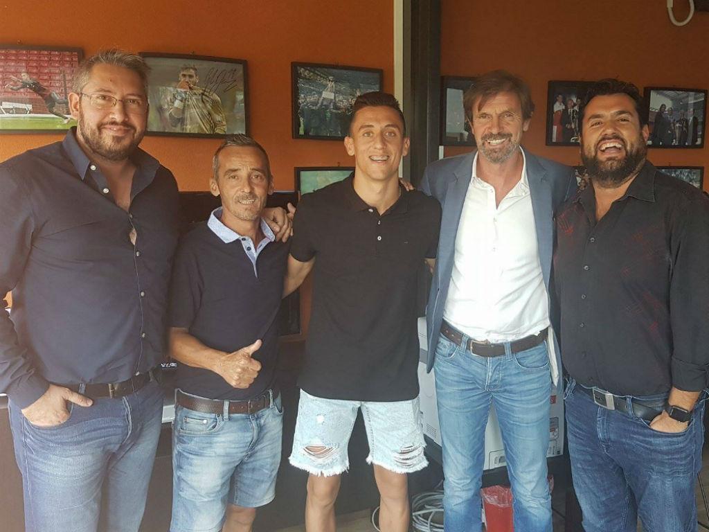 Tiago Dias (ex-Benfica) assinou e já treina — Milan
