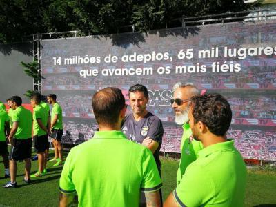 a1e4bc0e49e99 Benfica recebe seleção de futebol de rua ...