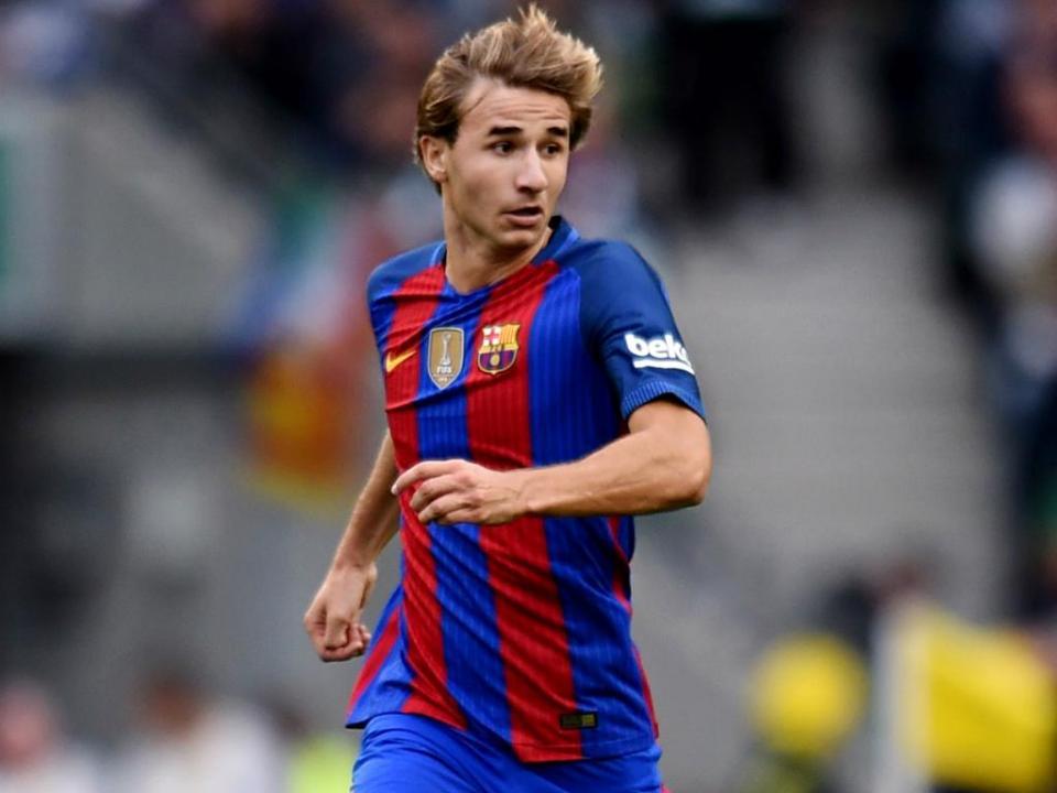 Barcelona: Sergi Samper fica na equipa principal