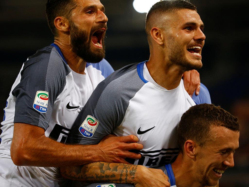 Internazionale vence o Crotone e segue com 100% na Serie A