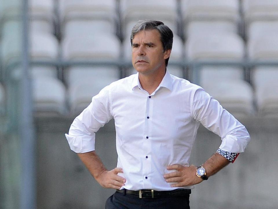 Miguel Leal já não treinador do Arouca