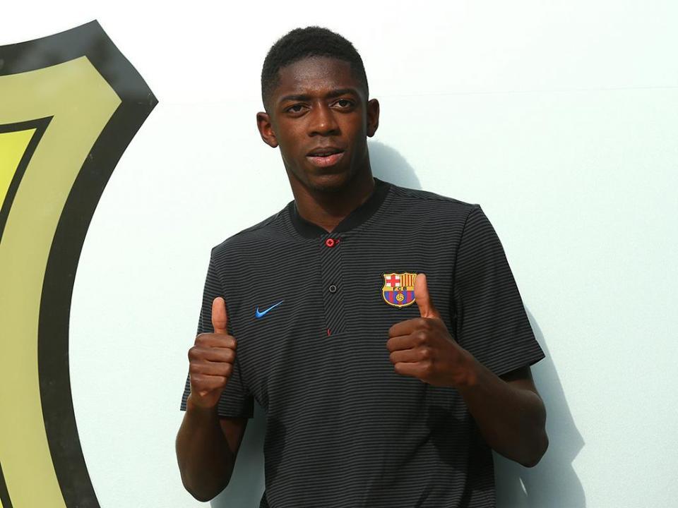 Barcelona: Dembélé já treina com bola