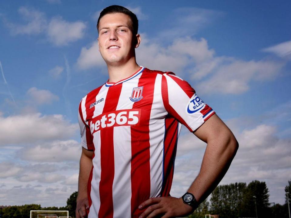 OFICIAL: Stoke City empresta Wimmer ao Hannover