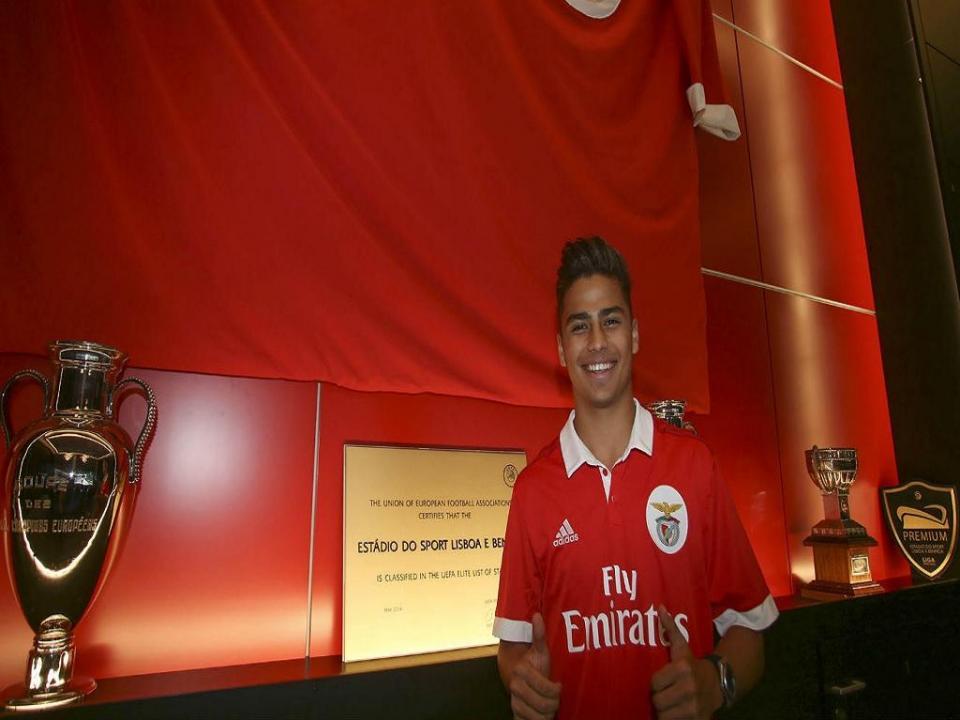 Campeão de juniores pelo Benfica assina pelo Monterrey do México