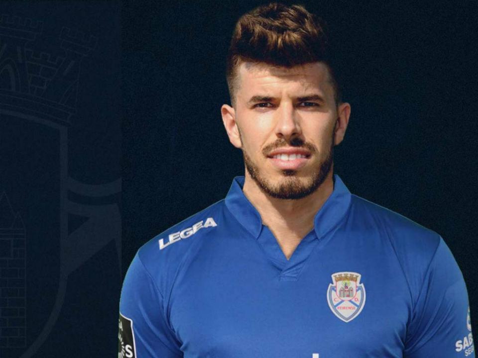 VÍDEO: João Silva bisa e aumenta vantagem do Feirense
