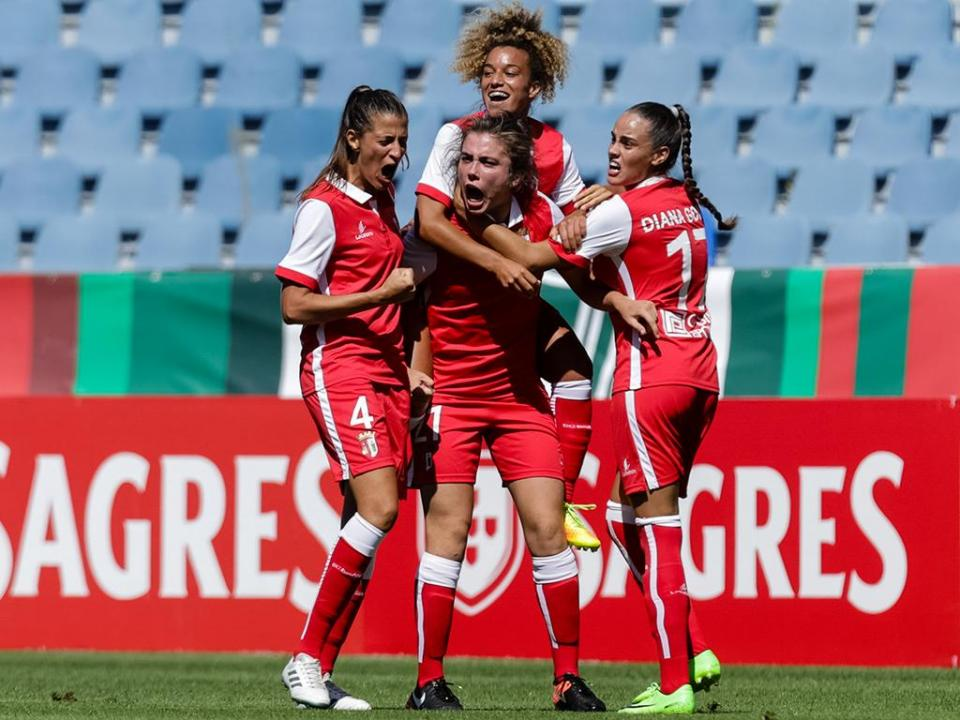 Futebol feminino: Sporting mais líder após empate no duelo minhoto