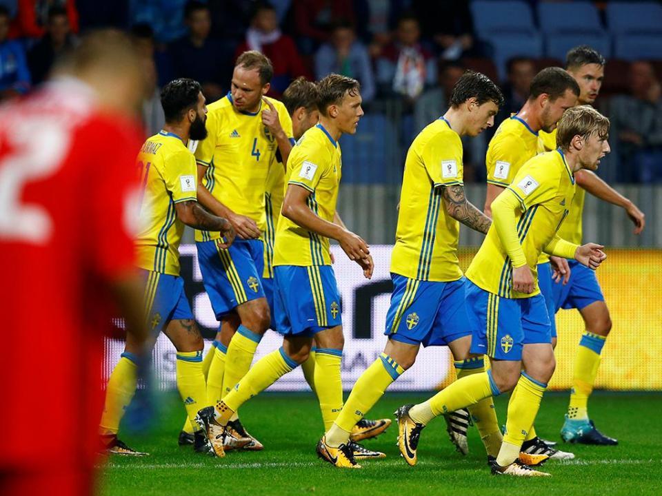 Suécia perde na Roménia com Lindelof no banco