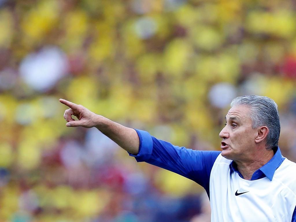 Técnico da Seleção Brasileira convoca jogadores nesta sexta-feira
