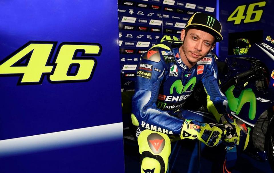 Valentino Rossi à beira de terminar a volta ao mundo