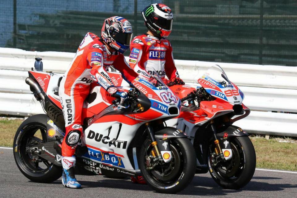 """Andrea Dovizioso: """"O estilo de Lorenzo não funciona na Ducati"""""""