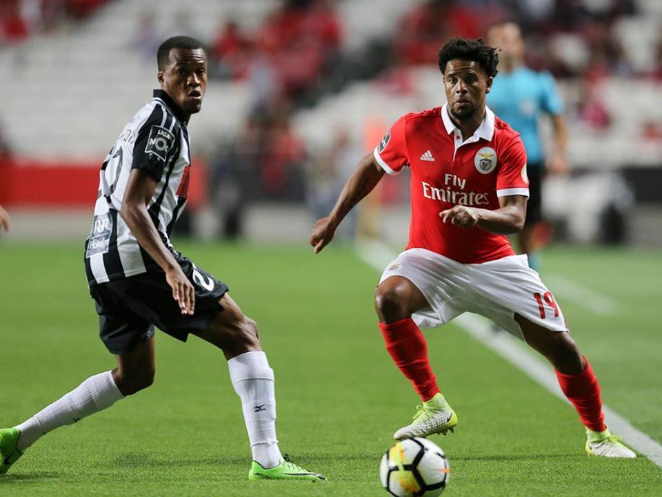 3c697952ac Benfica  Eliseu falha jogo com Moreirense