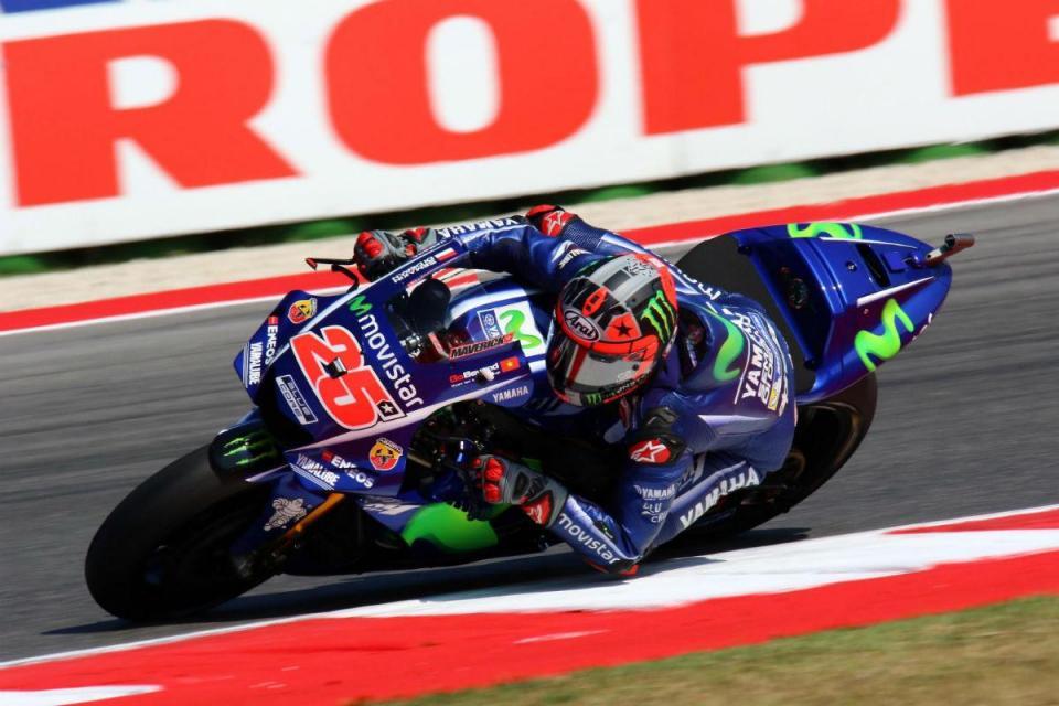 MotoGP: Viñales arranca com o melhor tempo no Qatar