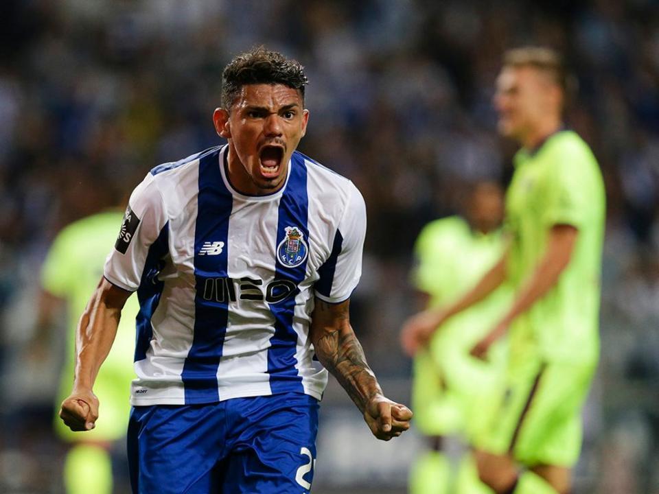 FC Porto  Mbemba a48ae8413e8ea
