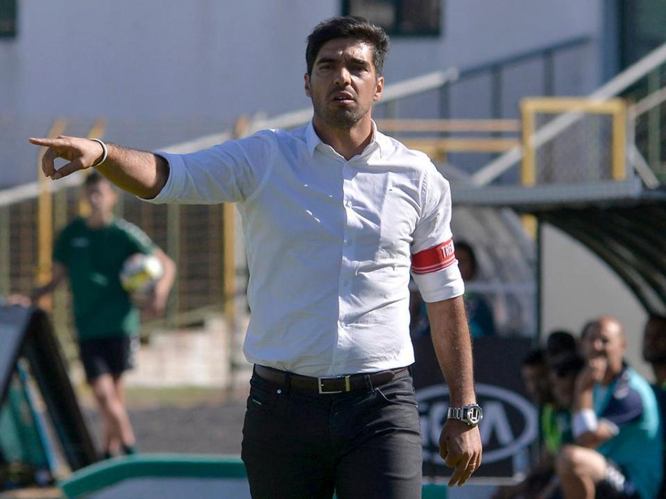 Abel Ferreira e o dérbi: «Os jogadores têm de se concentrar nas suas tarefas»