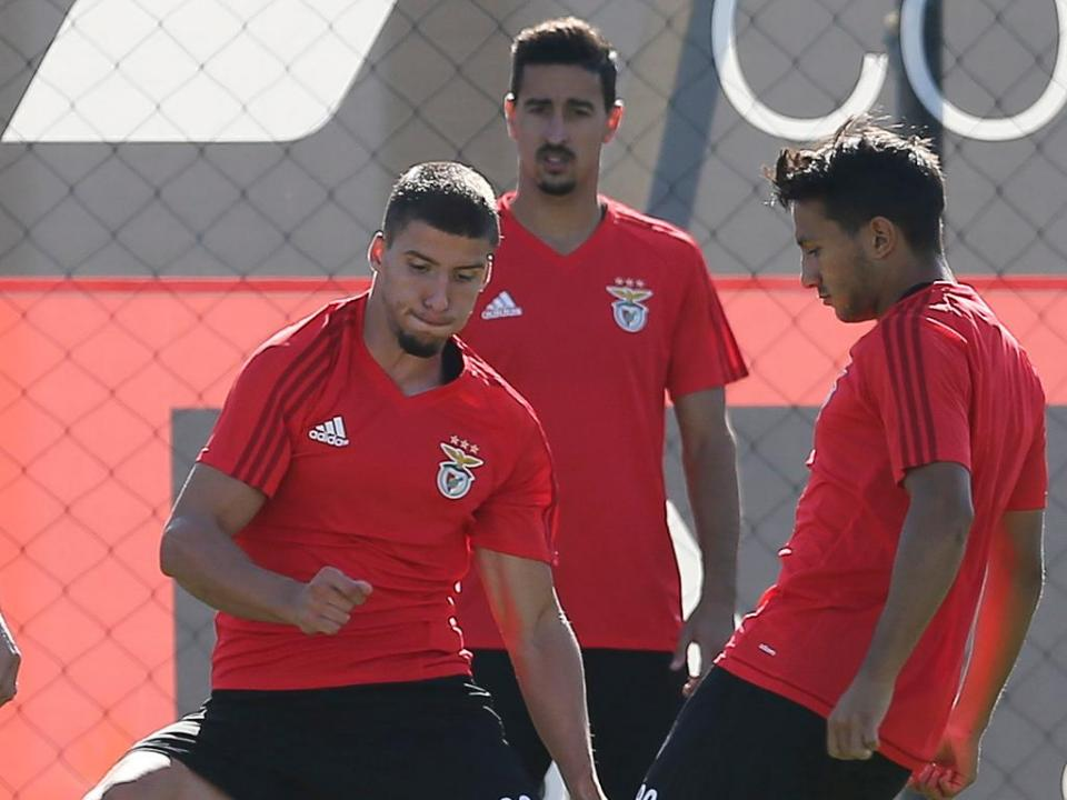 Benfica: seis internacionais já treinaram, Jiménez só chega quinta-feira
