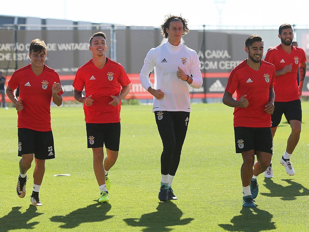 Filipe Augusto integrado na véspera do adeus europeu — Benfica