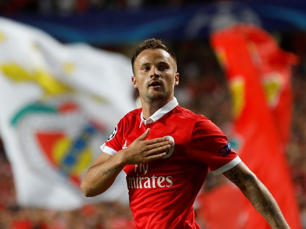 «Não consigo explicar por que estou a jogar tão pouco no Benfica»