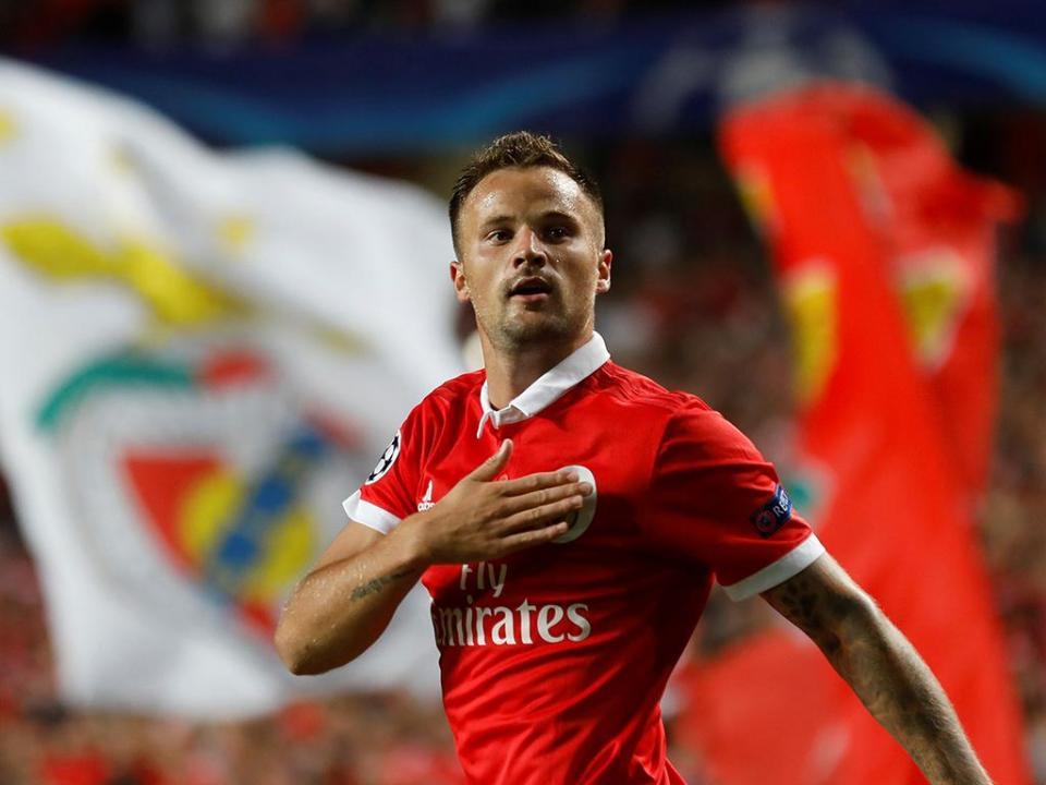 Seferovic: «Benfica é um sonho, mas tudo é possível depois do Mundial»