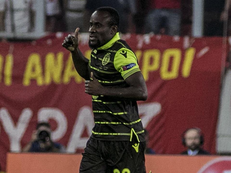 Sporting-Vilaverdense (equipas): Jesus muda quase tudo